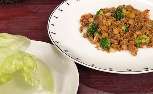 おからと野菜の味噌炒めレタス包み